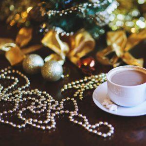 Stern Fabrik Karácsonyi dekor gyöngyfüzér - ezüst / arany - 3 m - 58057